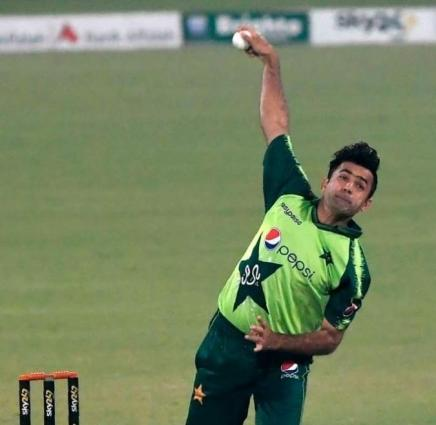 Zahid Mahmood replaces Shadab Khan for T20Is against Zimbabwe