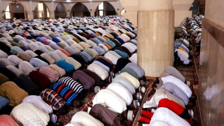 Worshipers sought Almighty's mercy from pandemic on first Friday of Ramzan