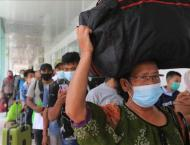 Nearly 19M Indonesians insist on going home for Eid despite ban