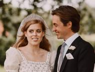 Queen Elizabeth Expecting 12th Great-Grandchild as Princess Beatr ..