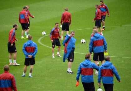 Czechs move Euro base camp home over strict Scotland rules