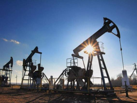 Oil climbs on cyber attack; metals shine on demand hopes