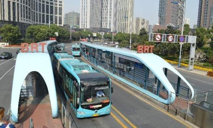 Chinese company to provide 100 new energy buses for Green Line BRT in Karachi
