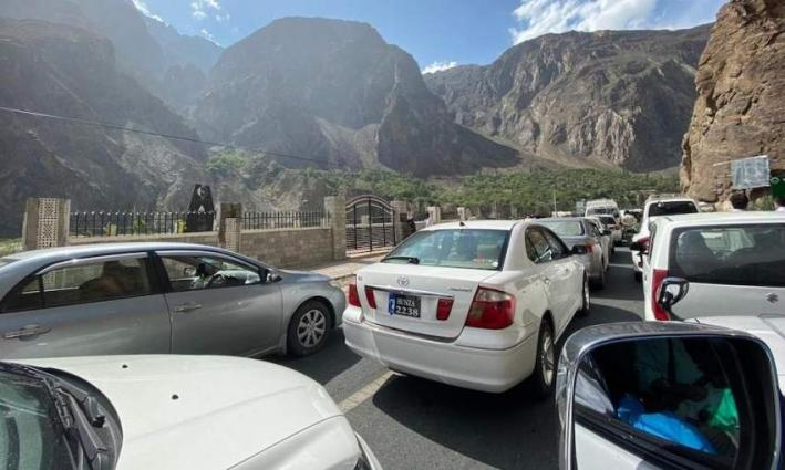 4,260 vehicles stopped from entering into districts of tourists' attraction in KP