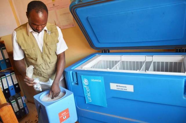 UNICEF provides vaccine refrigerator units to Libya