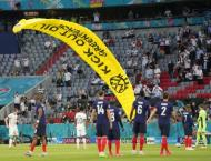 Snipers 'were ready to shoot' Greenpeace Euro 2020 parachutist