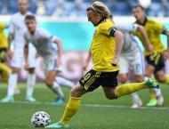 Forsberg penalty puts Sweden on brink of Euro 2020 last 16
