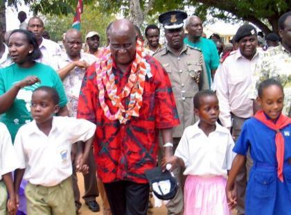 Zambia's ex-leader Kaunda, 97, treated for pneumonia: aide