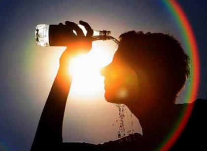Hot, humid weather likely to persist in Karachi