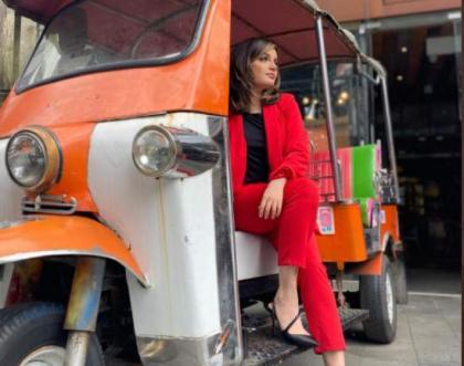 Has Armeena Khan started driving Rikshaw?