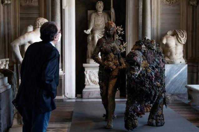 Damien Hirst steps in among Rome's famed Berninis