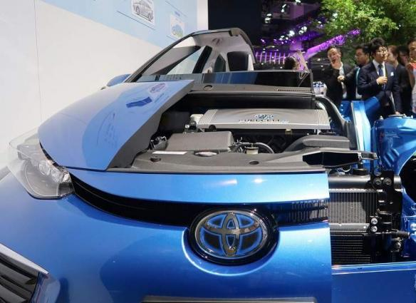 Shanghai Plans to Obtain 10,000 Hydrogen-Powered Cars by 2023 - Reports