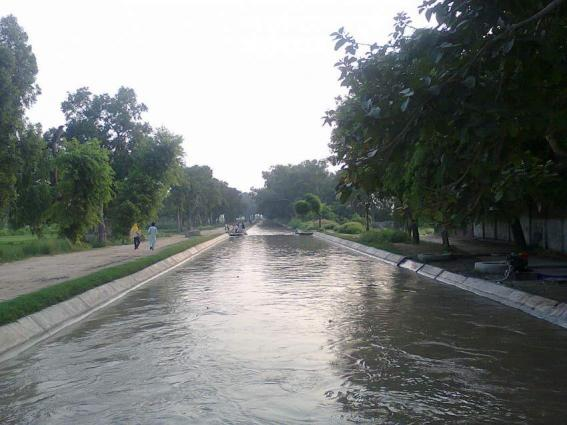 Missed constable found dead from canal