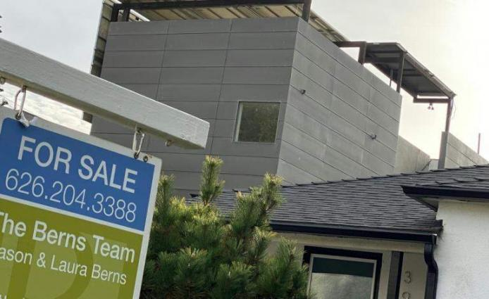 US new home sales drop for second straight month