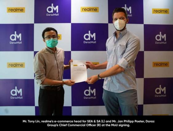 The Country's Fastest Growing Smartphone Brand realme & the E-commerce Stronghold Daraz Form a Partnership