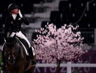 Von Bredow-Werndl triumphs as Dujardin sets new Olympic landmark ..