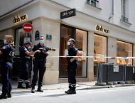 Second Jewelry Shop Robbed in Paris in Three Days - Reports