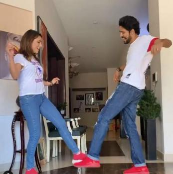 Mehwish Hayat enjoys doing fun with siblings at home