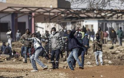 South Africa unrest death toll climbs to 212: minister