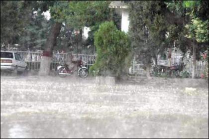 Heavy rains cause flash-floods in south Kashmir