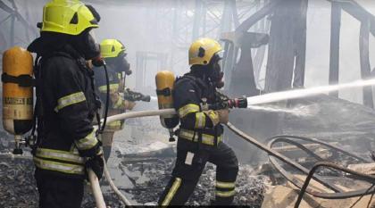 هيئة أبوظبي تسيطر على حريق مستودع في مصفح الصناعية