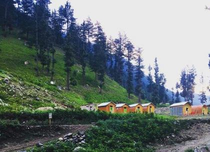 7 lakh tourists visited to KP's tourist spots on Eid: Kamran