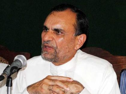 Railways Minister visits Royal Palm Club, chairs meeting to discuss several issues