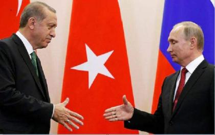 Putin Tells Erdogan Russia Will Continue Helping Turkey Put Out Wildfires