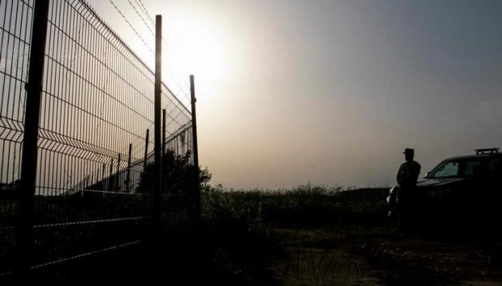 Lithuania to build Belarus border wall to stem migrants