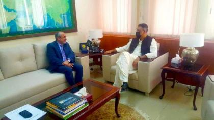 Minister vows to speed up pace of CPEC projects