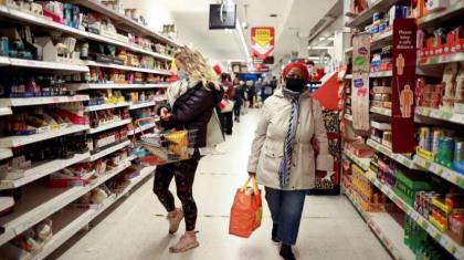 UK retail sales drop as more consumers eat out: data