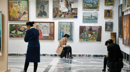 Russian art trove and its tortured history comes to Paris