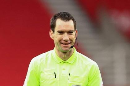 Australian Gillett to become first overseas Premier League referee