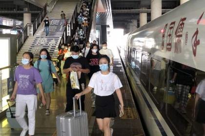 China's railways embrace Mid-Autumn Festival travel peak