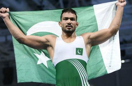 Wrestlers Inam Butt, Zaman Anwar call on IPC minister