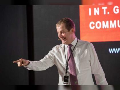 المتحدث السابق باسم توني بلير:  أبرز وسائل مواجهة الأزمات.. الإيمان بأنها ستنتهي