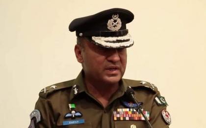 Additional IG South Punjab visits Civil Lines Police Station