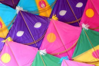 Police seize 4,000 kites, set on fire