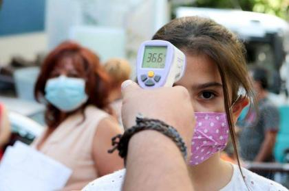 Greek gov't eases COVID-19 restrictions, calls for more vaccinations