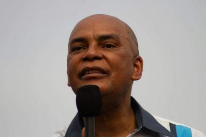 Angola opposition cries foul as court ousts leader