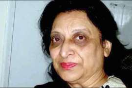 Fahmida Riaz Bhi Chal Baseen