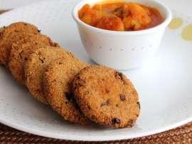 Aate Aur Dahi Ki Meethi Tiki
