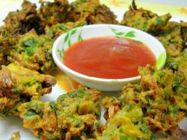 Phool Gobhi Kay Pakoray