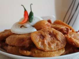 Aloo Aur Chicken Kay Pakoray