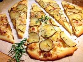 Aoo Aur Lehsan Ka Pizza