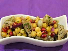 Chana Aur Fruit Chat