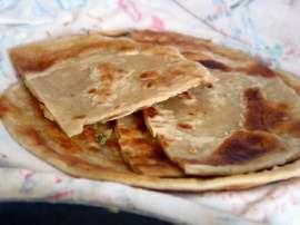 Roti Ke Meethay Tukray
