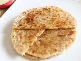 Dry Fruit Wali Meethi Roti