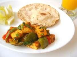 Paneer Aur Shimla Mirch Toast Kay Sath