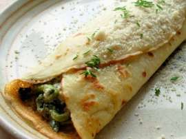 Chicken Palak And Mushroom Crepes